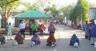 সিডিও ইয়ুথ টিমের উদ্যোগে শ্যামনগরে ৭০ টি হতদরিদ্র পরিবারের মাঝে নিত্যপ্রয়োজনীয় সামগ্রী বিতরণ